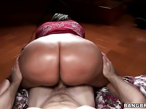 Latin with round ass is a slut who needs cum on face over and over again