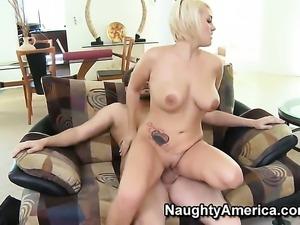 Alec Knight puts his love stick in warm Anya Peacocks twat