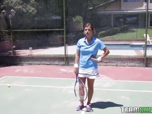 athletic bitch goes wild on the tennis court