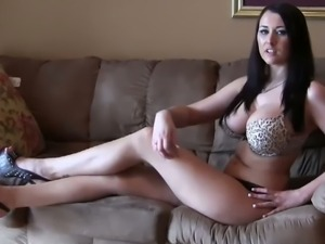 Long sexy legs and huge tits to masturbate to