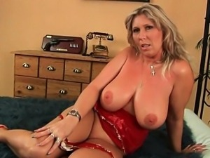 Mommy will take your cum load on her mature tits