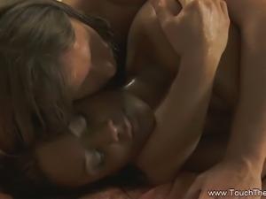 Ebony brunette gets her sweet cunt massaged