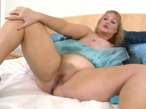 Fat Bbw Samantha G Plays With Her Pussy For You