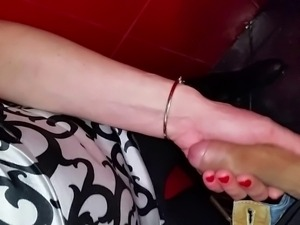 Handjob in a pub's toilet (bulgarian couple)
