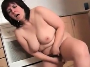 Chubby Mature Slut Squirts In The Kitchen