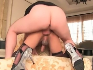 Gorgeous shemale enjoys anal sex and jerking