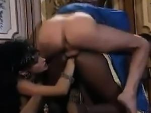 Fisting And Fucking Of An Ebony Slut