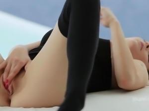 Tarra White squirting orgasm