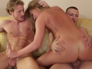 Carter Cruise squirting in a threesome