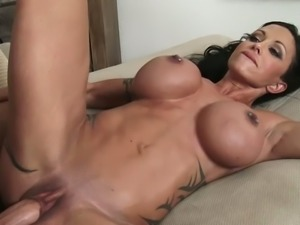 Superb mom jewels jade fucking a sexy stud