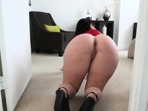 Big Booty Chick Virgo Peridot Has Her Asshole Licked