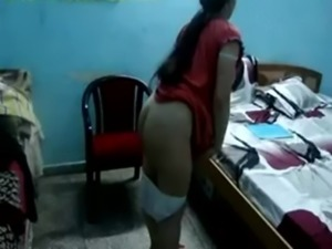 Indian Aunty Amazing ASS free