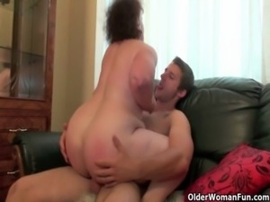 Mom is made for unloading cocks free