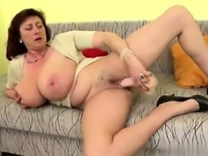 Gorgeous mature mother with huge tits an - New GF from MILF-