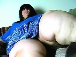 Huge Legs - Find her on BBW-CDATE.COM