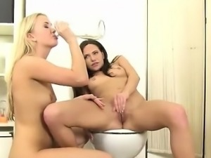 Piss lesbos Cayla and Subil Arch having oral sex