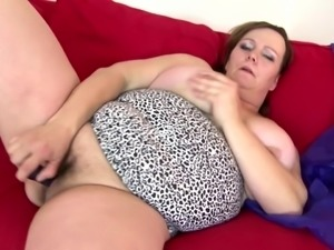 Sexy mature mom with big boobs and big sex hunger