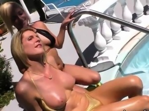 TS Delia nails her cock to Kate pussy