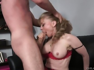 Huge ass granny is getting fucked