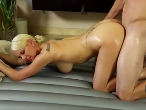Hot blonde enjoys her moments