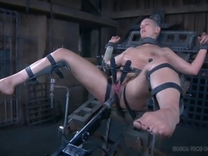 abigail dupree loves pain & fucked hard by machine