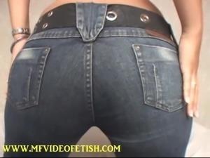 Christina Facesitting Big Butt - Slave Girl Endurance
