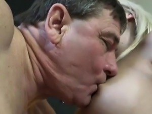 Old young anal threesome A very thorough one, including the