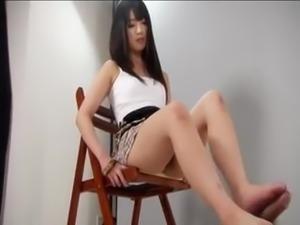 Japanese school girl smooth footjob - more on datinggirlnextdoor.xyz