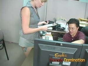 Sexy boss lady has some fun with a bad worker