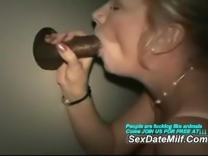 Mature Lady at the Gloryhole Sucking and Having Sex with BBC