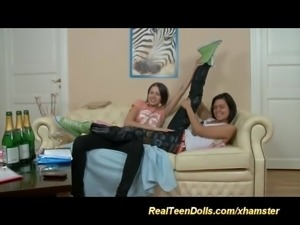 lesbian teen strapon anal sex