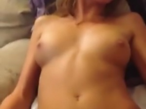 Rubbing her pussy makes her squirt