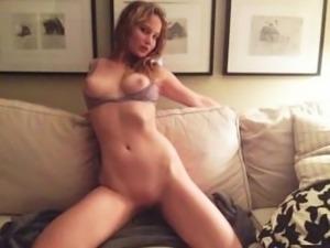 Jennifer Lawrence - Sexy Jerk-O-Challenge - Cum now !
