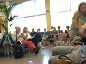 Amateur Braless Sideboob in Airport
