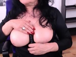 MATURE BUSTY LADY BEST HANDJOB WEBCAM