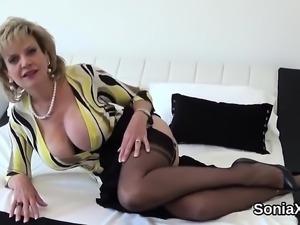 Unfaithful english mature gill ellis exposes her big tits