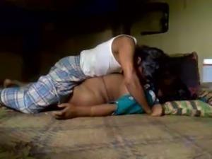Chubby dark skinned real Hindu wifey gets poked missionary on floor