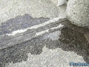 Oriental slut caught pee