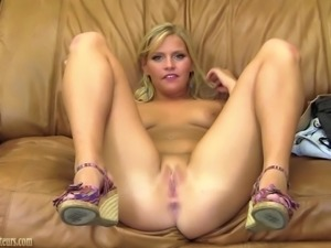 Amateur teen on casting couch spreading her pussy