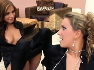 Bizarre lesbian peeing