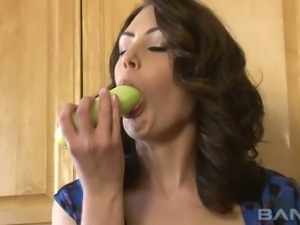 Tasty looking brunette housewife Sarah Shevon performs stout veggie solo at...