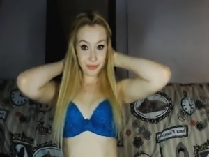 Beautiful Blonde Babe on Cam