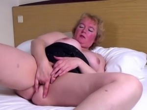 Amateur mature wife suck big dick