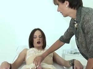 Unfaithful english milf lady sonia showcases her big boobs