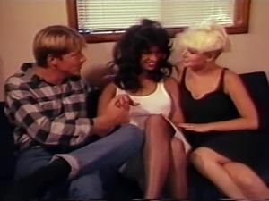Lois Ayres & Dana Douglas (shemale) threesome