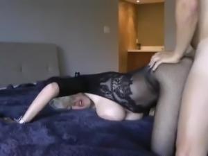 Blondine mit grossen Titten