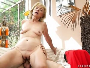Mature enjoys the warmth of hard love stick deep in her vagina