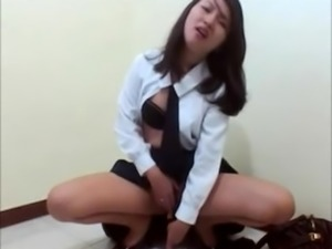 19 year old asian dilettant masturbates in public