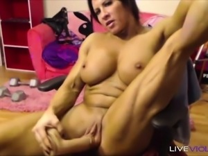 Muscle celebrity Angela Salvagno with the biggest pussy