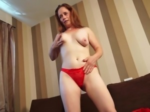 Eatable mature damsel fingering her juicy pussy immensely